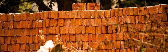 bricks-390666_640